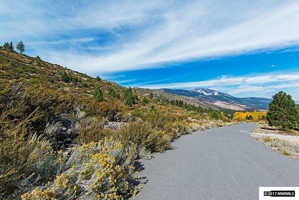 7805 Musgrove Creek Dr, Washoe Valley, NV - USA (photo 3)