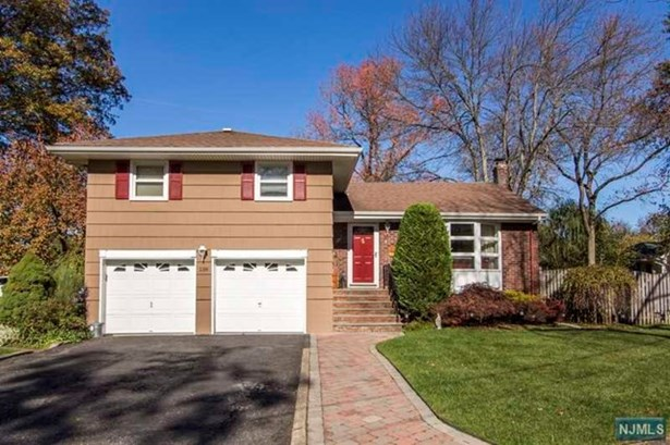 138  Gordon Ct, Oradell, NJ - USA (photo 1)