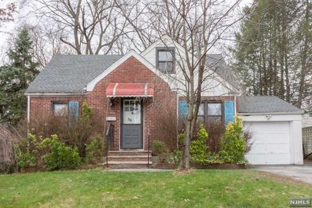 56  Chestnut St, Cresskill, NJ - USA (photo 1)