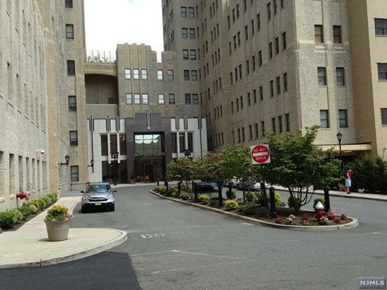 4  Beacon Way, Jersey City, NJ - USA (photo 1)