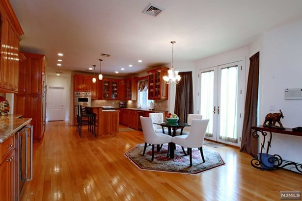 18  Maplewood Rd, Closter, NJ - USA (photo 5)
