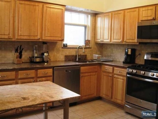 638  Teaneck Rd, Teaneck, NJ - USA (photo 2)