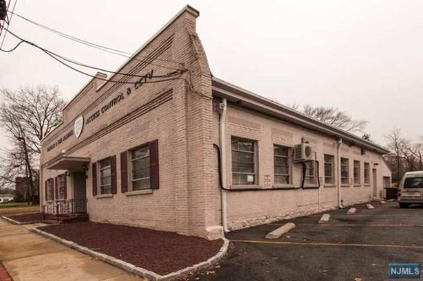 46 W Clinton Ave, Tenafly, NJ - USA (photo 2)