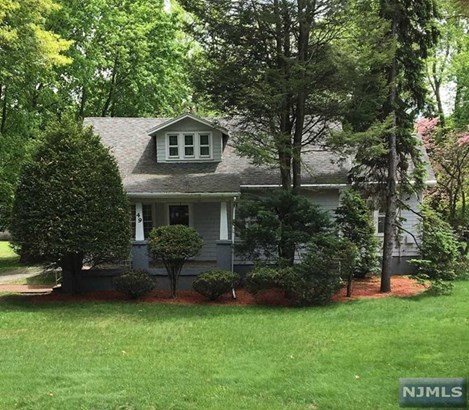 49  Tappan Rd, Harrington Park, NJ - USA (photo 1)