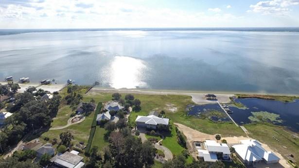 Single Family Waterfront - Ocklawaha, FL (photo 4)