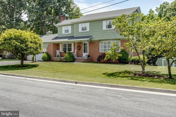 Colonial, Detached - WINCHESTER, VA
