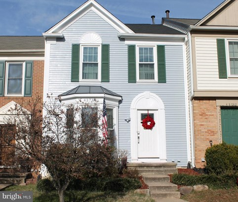 Row/Townhouse - ASHBURN, VA
