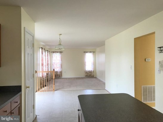 Single Family Residence, Colonial - WINCHESTER, VA (photo 3)