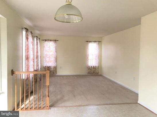 Single Family Residence, Colonial - WINCHESTER, VA (photo 5)