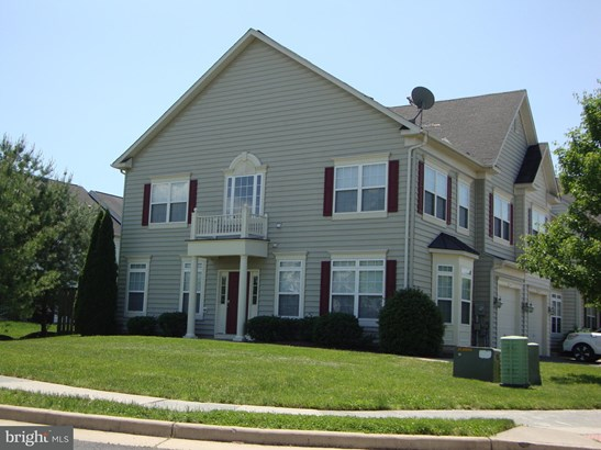 Colonial, End Of Row/Townhouse - STEPHENS CITY, VA (photo 2)
