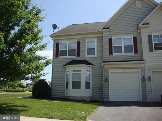 Colonial, End Of Row/Townhouse - STEPHENS CITY, VA (photo 3)