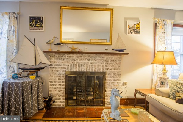 Cape Cod, Single Family Residence - MARTINSBURG, WV (photo 4)