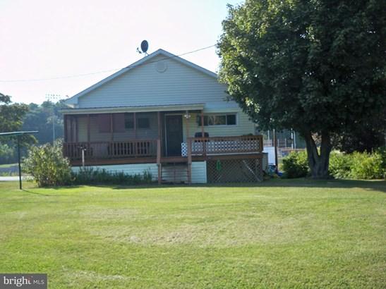 Rancher, Single Family Residence - BERKELEY SPRINGS, WV (photo 2)