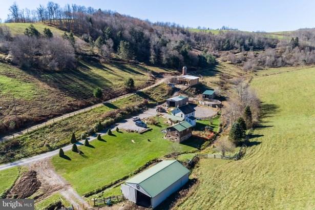 Raised Ranch/Rambler, Detached - EGLON, WV