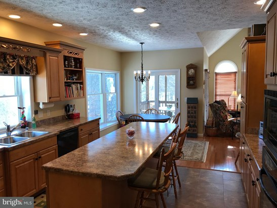 Single Family Residence, Colonial - BERKELEY SPRINGS, WV (photo 5)