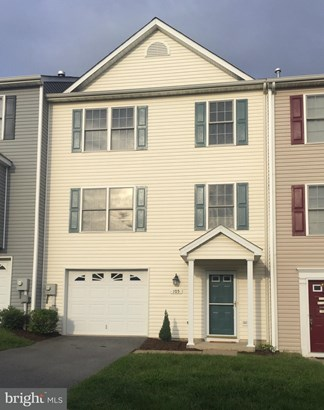 Row/Townhouse, Colonial - WINCHESTER, VA