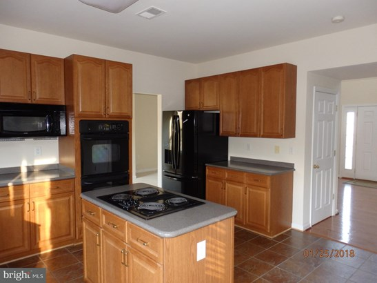 Single Family Residence, Colonial - MIDDLETOWN, VA (photo 3)