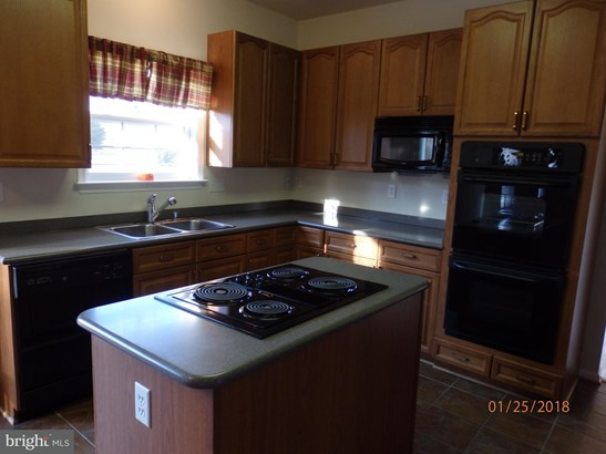 Single Family Residence, Colonial - MIDDLETOWN, VA (photo 4)