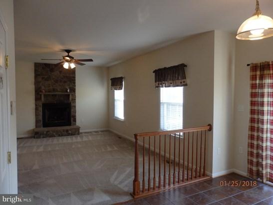 Single Family Residence, Colonial - MIDDLETOWN, VA (photo 5)