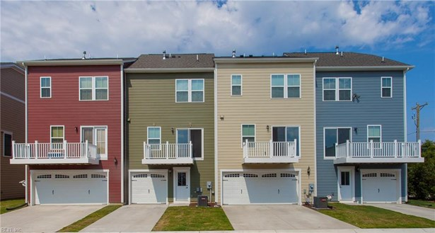 Townhouse,Tri-Level, Attached,Attached Residential - Chesapeake, VA (photo 3)