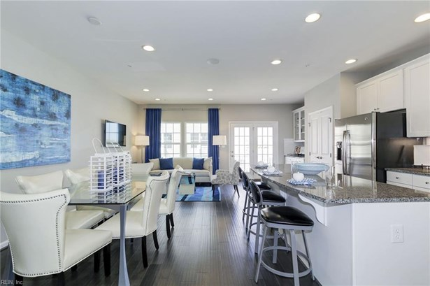 Townhouse,Tri-Level, Attached,Attached Residential - Chesapeake, VA (photo 5)