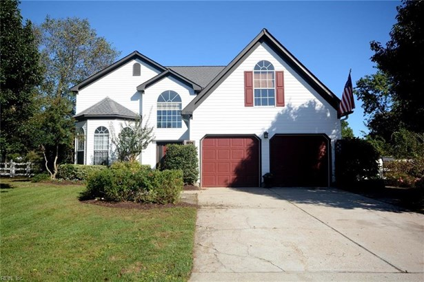 Detached,Detached Residential, Traditional,Transitional - Virginia Beach, VA (photo 1)