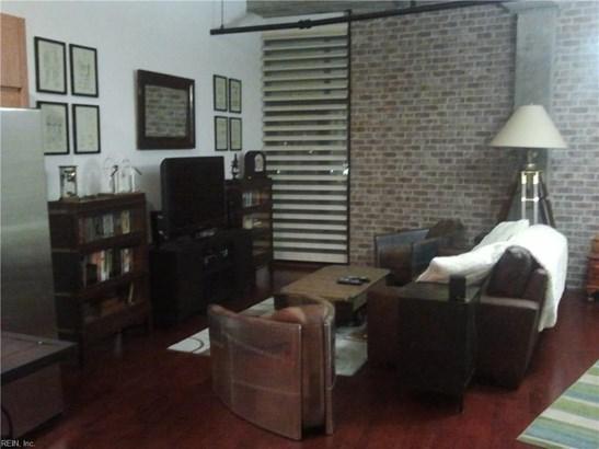 Rental,Condominium/Co-op, Mid Rise - Norfolk, VA (photo 1)
