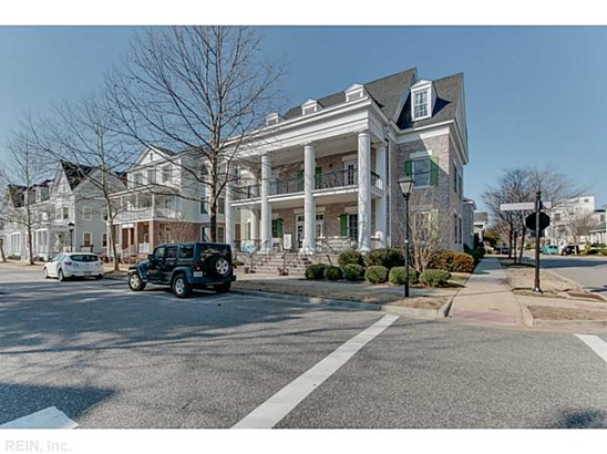 Attached,Attached Residential, Traditional - Norfolk, VA (photo 1)