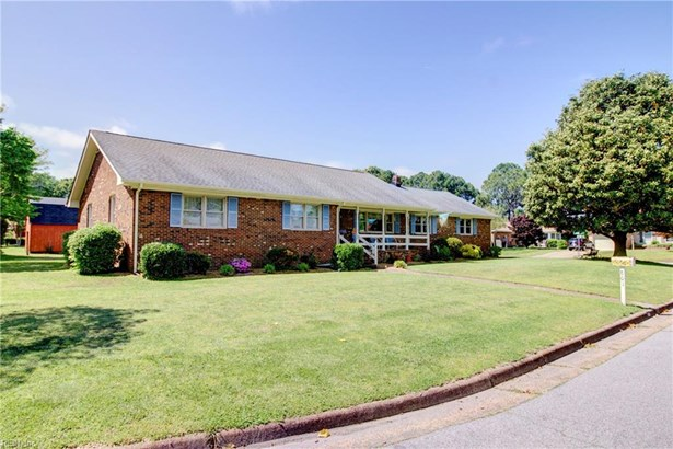 801 Woodridge Court, Virginia Beach, VA - USA (photo 1)