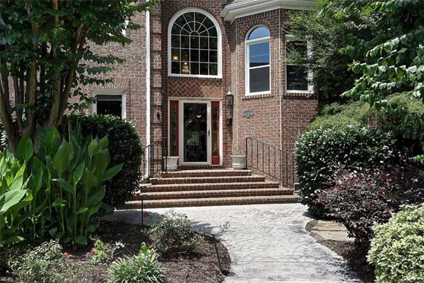 Detached,Detached Residential, Traditional,Transitional - Chesapeake, VA (photo 2)