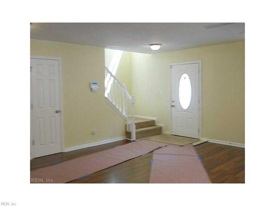 Traditional, Rental,Single Family - Norfolk, VA (photo 2)