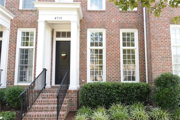 Attached,Attached Residential, Townhouse,Traditional - Norfolk, VA (photo 1)