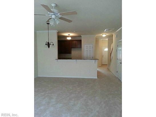 Attached,Attached Residential, Townhouse - Newport News, VA (photo 4)