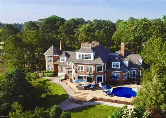Detached,Detached Residential, Cape Cod,Traditional - Virginia Beach, VA