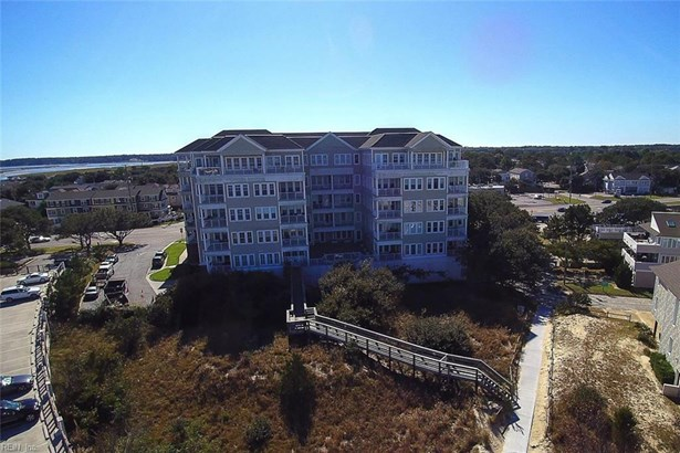Attached,Attached Residential, Mid Rise - Virginia Beach, VA (photo 2)