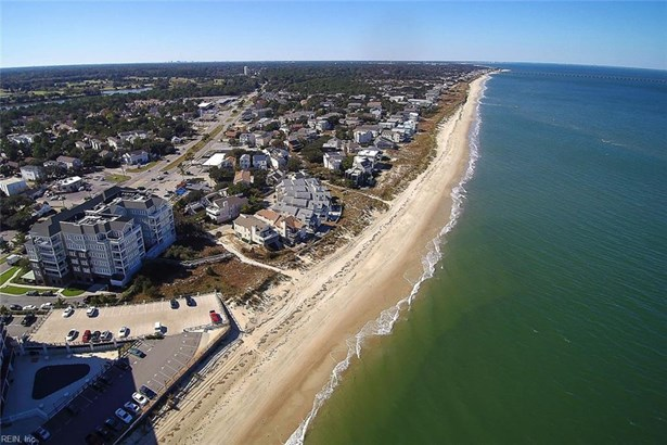 Attached,Attached Residential, Mid Rise - Virginia Beach, VA (photo 3)