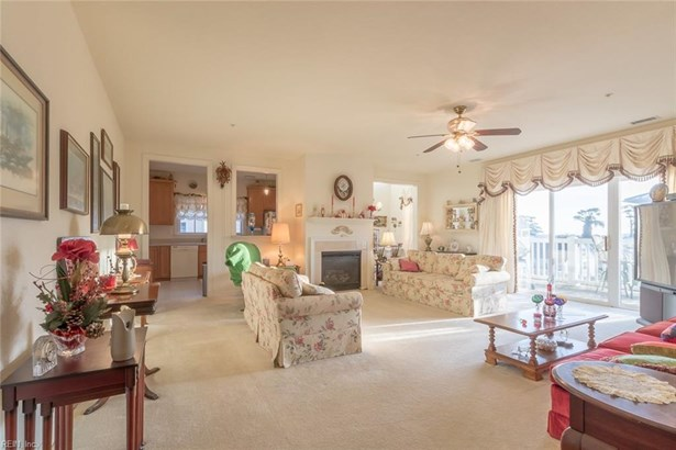 Attached,Attached Residential, Mid Rise - Norfolk, VA (photo 4)