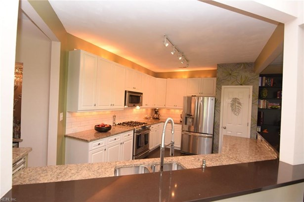 Attached,Attached Residential, Contemp,Transitional - Norfolk, VA (photo 5)