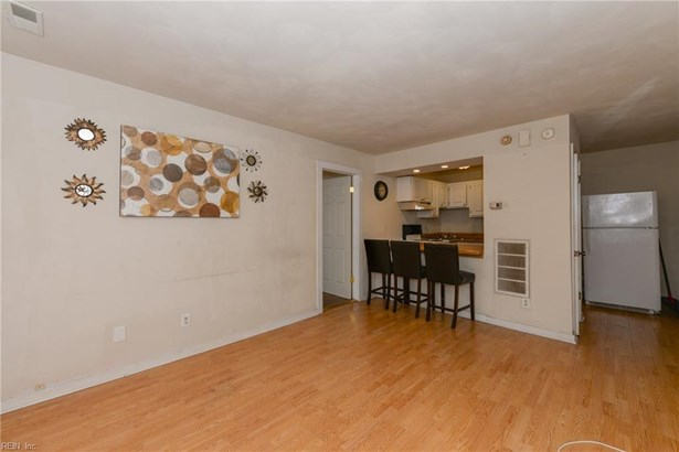 Attached,Attached Residential, Apartment,Transitional - Portsmouth, VA (photo 2)