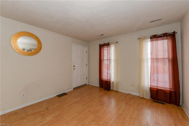 Attached,Attached Residential, Apartment,Transitional - Portsmouth, VA (photo 3)