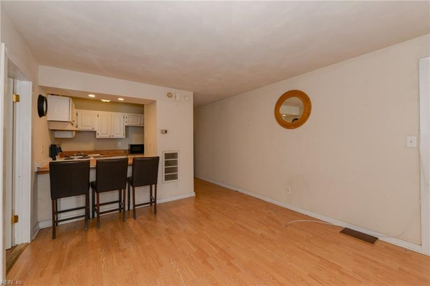 Attached,Attached Residential, Apartment,Transitional - Portsmouth, VA (photo 4)