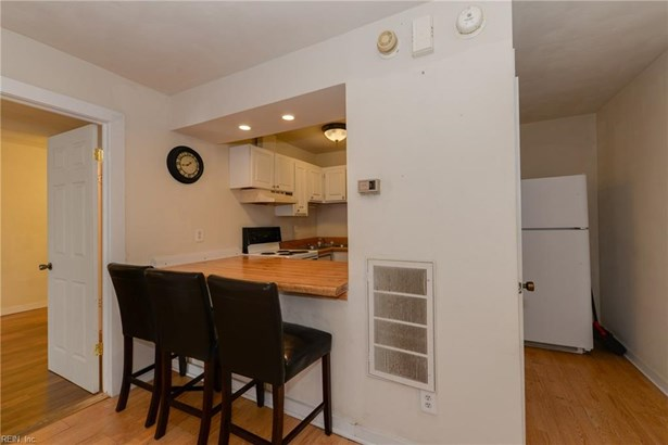 Attached,Attached Residential, Apartment,Transitional - Portsmouth, VA (photo 5)