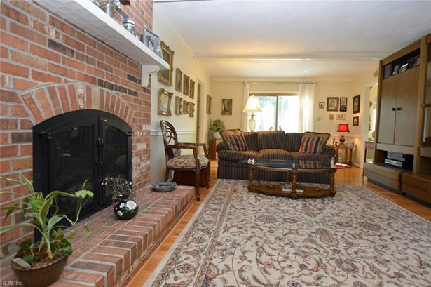 Colonial, Detached,Detached Residential - Hampton, VA (photo 5)