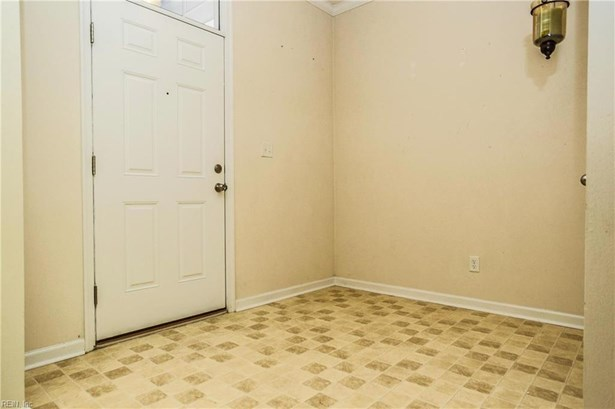 Attached,Attached Residential, Traditional,Transitional - Norfolk, VA (photo 3)