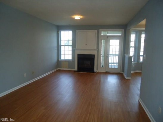Attached,Attached Residential, Lo Rise - Virginia Beach, VA (photo 2)