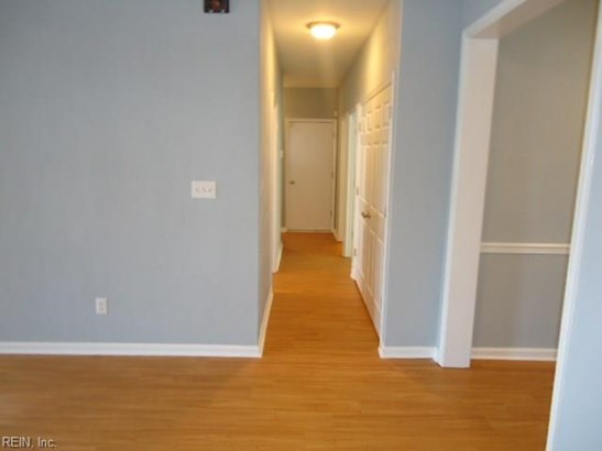 Attached,Attached Residential, Lo Rise - Virginia Beach, VA (photo 4)