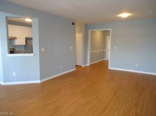 Attached,Attached Residential, Lo Rise - Virginia Beach, VA (photo 5)