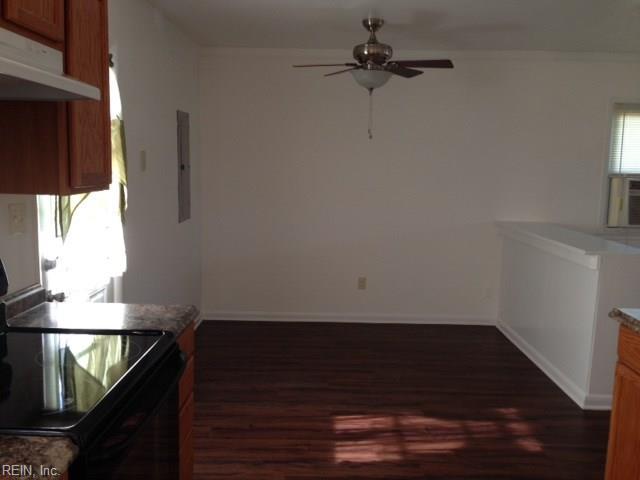 Ranch, Rental,Single Family - Hampton, VA (photo 3)