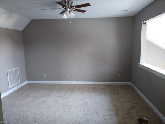 Attached,Attached Residential, Twinhome - Hampton, VA (photo 4)