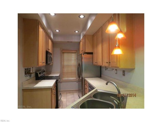 Rental,Condominium/Co-op, Traditional - Hampton, VA (photo 5)